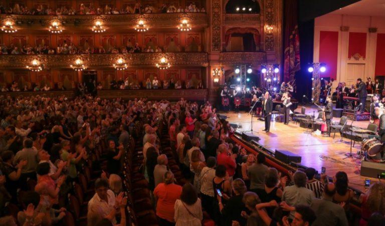 La magia de Carlos Nuñez en el Teatro Colón